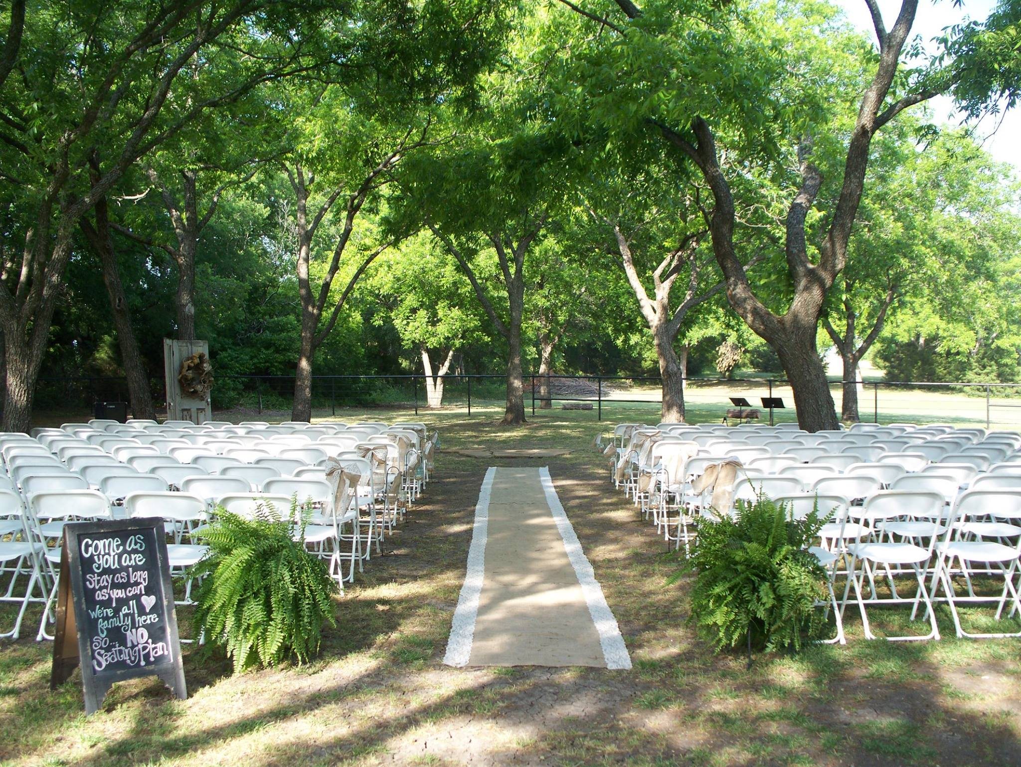 Outdoor wedding decor ideas part 2 rustic outdoor wedding decor ideas junglespirit Gallery